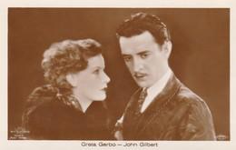GRETA GARBO-JOHN GILBERT OLD POSTCARD (602) - Actors