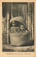 MADAGASCAR DANS LE PANIER  A RIZ LA BONNE GRAINE - Madagaskar
