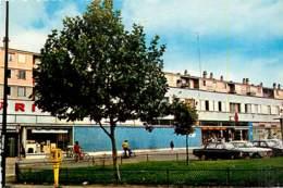 92* NANTERRE Av Courteline     CPSM (petit Format)     MA82_0926 - Nanterre
