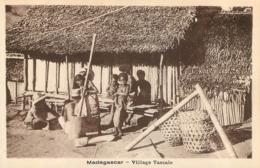 MADAGASCAR VILLAGE TASSALE - Madagaskar