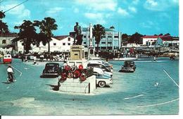 L 365 - Barbade - Trafalgar Squareschowing Nelson's Statue - Postcards