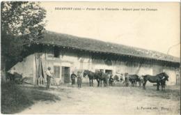 Cpa BEAUPONT (Ain) 01 - Ferme De La Tournelle - Départ Pour Les Champs (animée) Edit. Ferrand, Bourg (RARE) - France