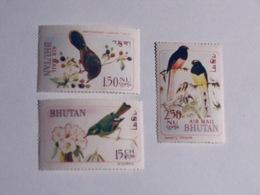 BHOUTAN  1968-69   LOT# 3  BIRD - Bhoutan