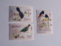 BHOUTAN  1968-69   LOT# 3  BIRD - Bhután