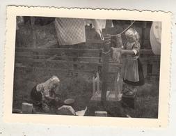 Marken - Kinderen In Klederdracht - Foto Formaat 7 X 10.5 Cm - Anonieme Personen
