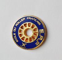 Pin's ERF Club Du ROLLER Français - 41R - Pin
