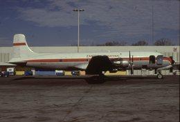 SLIDE / AVION / AIRCRAFT   KODAK  ORIGINAL  ZANTOP  DC 6  N111AS - Diapositives