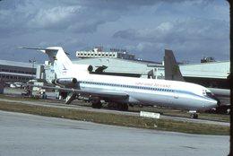 SLIDE / AVION / AIRCRAFT   KODAK  ORIGINAL     LLOYD AEREO BOLIVIANO  B 727  CP-276 - Diapositives