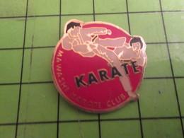 1515A Pin's Pins /  Rare & De Belle Qualité : THEME SPORTS / KARATE KICK IN YA'FACE MAWACHI CLUB - Judo