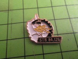 1515A Pin's Pins /  Rare & De Belle Qualité : THEME MILITARIA / BASE AERIENNE CORSE 126 SOLENZARA STB 84.126 TRANSMISSIO - Militaria