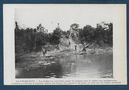 Sur L'OUBANGUI - Les Indigènes Regardent Passer La Pirogue...... - French Congo - Other