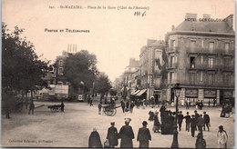 44 SAINT NAZAIRE - Place De La Gare Coté De L'arrivée - Saint Nazaire