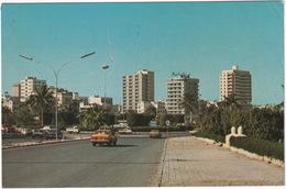 Jeddah: JAPANESE CARS, PICKUPS - Al-Bia's Square - (Yemen Arab Republic) - Toerisme