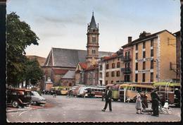 Aurillac (15 Cantal) Le Square, Eglise Notre Dame Des Neiges, Arrêt Des Autobus - Aurillac