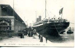 N°67587 -cpa Le Havre -un Transatlantique Au Qaui D'escale- - Paquebots