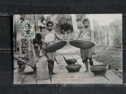 Z26 - Cambodge - Femmes Vannant Du Riz - Kompong-Cham - Cambodge