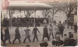 CPA PHOTO  13 - Ecole Des Arts Et Métiers D'Aix  - Fête De 100 Jours 1923 - Ecoles