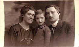 Fotokaart Carte Photo Kind Famille Enfant (Photo F. Van Boghout Anvers 1920) - Groupes D'enfants & Familles