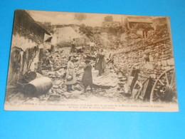 37 ) Chinon - N° 4 - L'effondrement Du Coteau 14/15 Aout 1921 - Reste De La Maison DEMOY -  : EDIT - A.P - Chinon