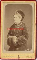 CDV Belle Photo Femme élégante-manchon Et Toque Fourrure-photo Lombart à Saint Maixent- Deux Sèvres -mode - Fotos