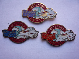 Lot 3 Pin S Avec Le Mot PIN S Different - Badges