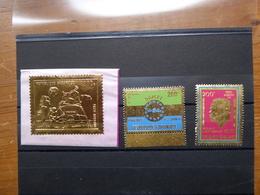GABON   3  TIMBRES EN OR  Neufs Sans Charnière - Gabon (1960-...)