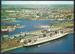 CP Germany,Bremerhaven: Passagiersschiff  FRANCE Vor Dem Colombusbahnhof Im Kaiserhafen - Paquebots
