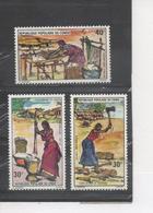 CONGO - Femmes - Travaux Ménégers : Pilage Du Foufou, Coupe Du Bois De Chauffage, Préparation Du Manioc - Femme - Congo - Brazzaville