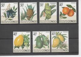 CONGO - Flore - Fruits Du Congo  : Ananas, Safous, Avocats, Mangues, Oranges, Papaye, Bananes (régime) - Congo - Brazzaville