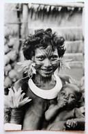 CPSM Papouasie Nouvelle Guinée Femme Papoue Peinture Tribale Mission De Papouasie - Papouasie-Nouvelle-Guinée