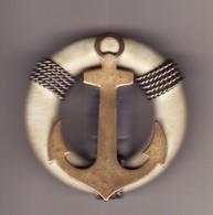 Broche Insigne Marine Militaire ? Encre Et Boué Métal Et Bakélithe? 3 Vues Diam 45mm(état:TTB) - Army & War