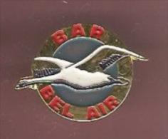 38101-Pin's .oiseau..bar Le Bel Air - Animals
