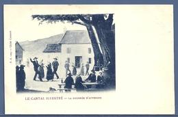 CPA - CANTAL - LA BOURRÉE D'AUVERGNE - Danses