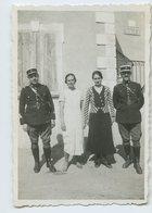 Homme Femme Gendarme Uniforme 30s 40s - Personnes Anonymes