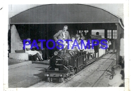 104707 SOUTH AFRICA DURBAN STATION TRAIN CHILDREN 9 X 6.5 CM PHOTO NO POSTAL POSTCARD - Cartes Postales