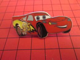 DIS-SPE Pin's Pins : BEAU ET RARE : DISNEY Très Grand Pin's VOITURE ROUGE CARS - Disney