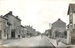 08 - LUCQUY - Avenue Pasteur En 1955 (cpsm 9x14) - Altri Comuni