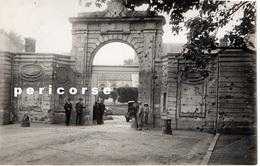 02 Premontré  L'entrée De L'ancienne Abbaye Jour De Fête (photto) - France