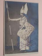 Dame VERKLEED > B. BRIFFAUX Briffause > Anno 1932 ( Foto FR. DE WIL Antwerpen - Zie Foto's ) Géén ID ! - Gehandtekende Foto's