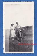 Photo Ancienne Snapshot - Portrait D'un Couple / Automobile - Double Impression Surimpression Montage - Photographs