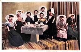 Een Leuke Zeeuwsche Poppenfamilie (poupée Doll, 1933) Tea Party - Scènes & Paysages