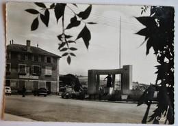 CPSM 69 Thizy Place De La République 1970 - Thizy