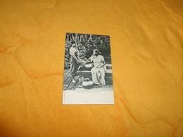 CARTE POSTALE ANCIENNE NON CIRCULEE DATE ?../ KANDYAN WOMEN AT A WELL. - Sri Lanka (Ceylon)