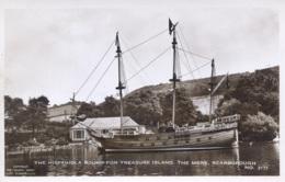 YORKS - SCARBOROUGH - THE HISPANIOLA BOUND FOR TREASURE ISLAND  RP Y2654 - Scarborough