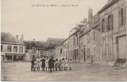 LE MESNIL Sur OGER - Place Du Marché - Enfants Au Premier Plan ( Carte Animée ). - Otros Municipios