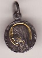 Petite Médaille Religieuse Vierge 3 PHOTOS Diam 10 ( DORURE UN PEU PASSé Sinon TTB état) - Pendentifs