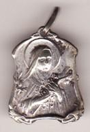 Ancienne Médaille Religieuse VIERGE 3 PHOTOS Haut 22 (métal Argenté TTB état) - Pendentifs
