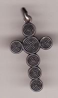 Ancienne Médaille Religieuse Croix Celtique TOUJOURS FIDELE Haut 30 MM (TTB état) - Pendentifs