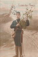 Rare Cpa Fantaisie Soldat Avec Gui Glorieuse Année - 1914-18