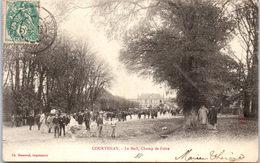 45 COURTENAY - Le Mail, Le Champ De Foire. - Courtenay